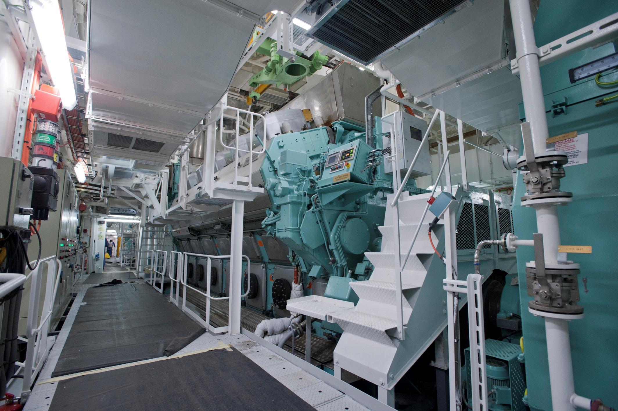 Marine Diesel Engines Hpi Marine Hpi Uk
